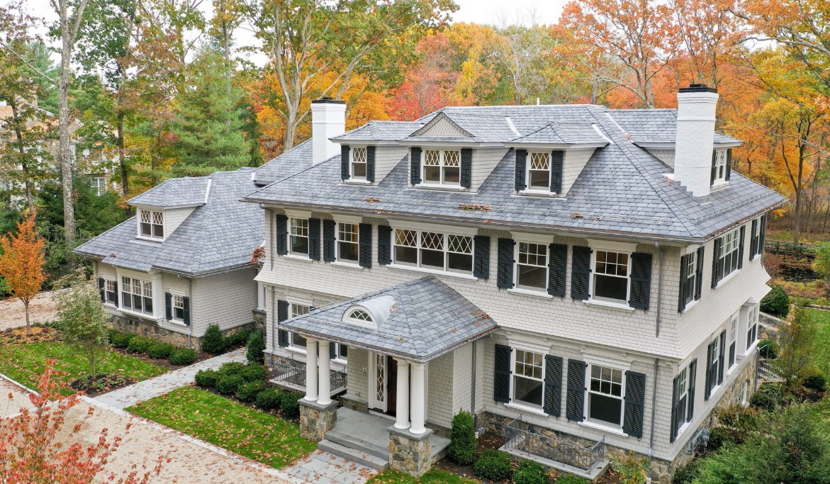Tips to help choosing between a hip roof and a gable roof